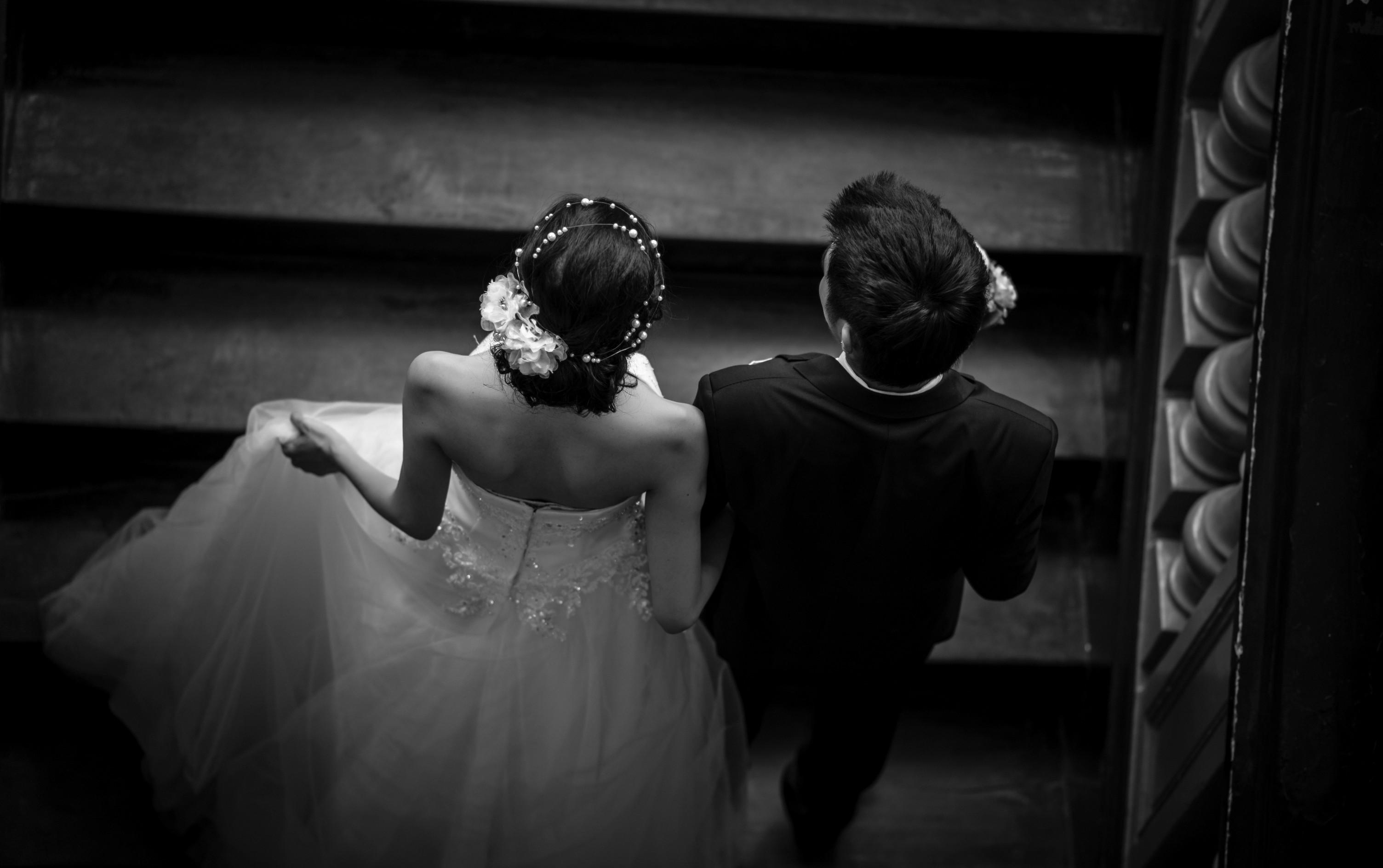 men-black-women-wedding-photography
